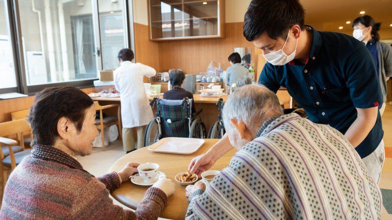特別養護老人ホームあらしま苑で喫茶を開催!