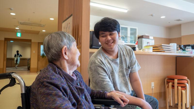 特別養護老人ホームふたみ苑で伊勢まなび高校の学生が職場体験!