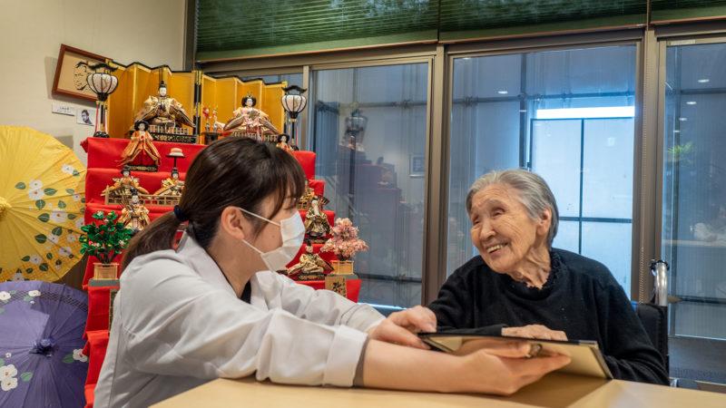 【2月25日】ふたみ苑で雛人形が飾られる中「Cafeふたみ」を開催!