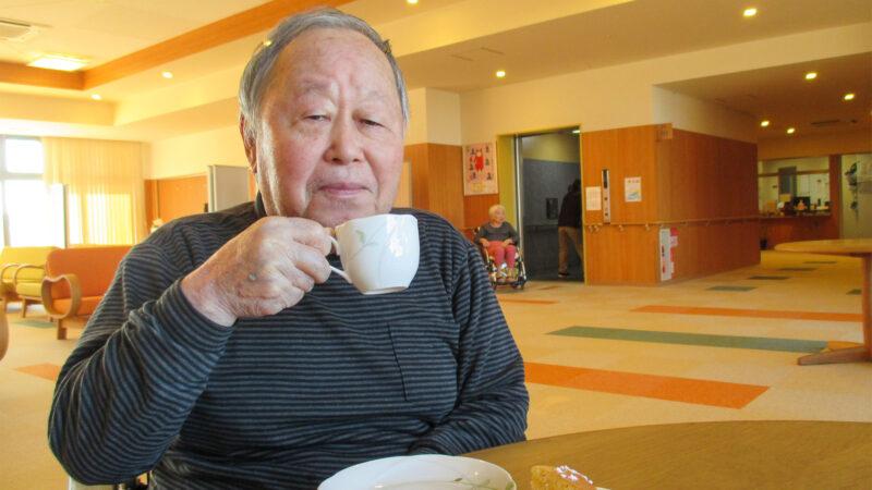 焼き立てホカホカのホットケーキをご提供♪あらしま苑で喫茶を行いました!