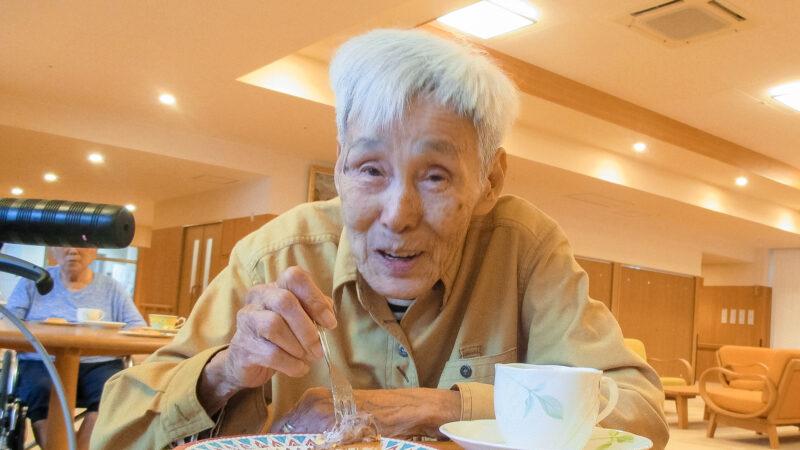 あらしま苑で喫茶を開催!ふわふわのホットケーキが振る舞われました!